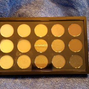 Mac Cool Neutrals x15 Eyeshadow Palette